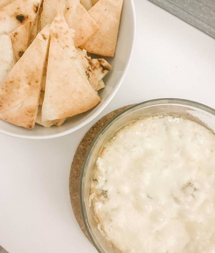 spinach dip with naan bread